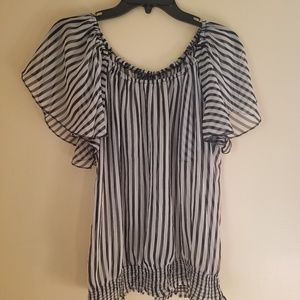NWOT Womens blouse
